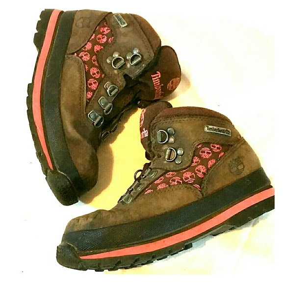 Girls Timberland boots brown with pink